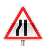 Panneau de danger indiquant que la chaussée se rétrécie par la gauche