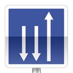 Créneau de dépassement à trois voies affectées: une voie dans un sens et deux voies dans l'autre