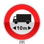 Panneau d'interdiction d'accès aux véhicules dont la longueur est supérieure au nombre indiqué