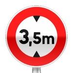 Panneau d'interdiction d'accès aux véhicules dont la hauteur est supérieure au nombre indiqué