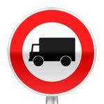 Panneau d'interdiction d'accès aux véhicules affectés au transport de marchandise