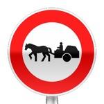 Panneau d'interdiction d'accès aux véhicules à traction animale