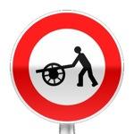 Panneau d'interdiction d'accès aux voitures à bras