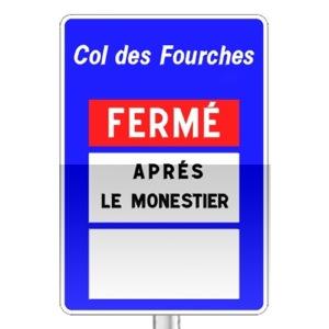 Panneau d'indication de pré-signalisation de praticabilité d'une section de route