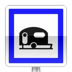 Panneau d'indication d'un terrain de camping pour caravane et autocaravannes