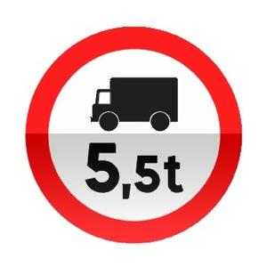 Symbole de signalisation avancée d'une direction interdite aux véhicules affectés au transport de marchandises dont le poids total autorisé en charge ou le poids total roulant autorisé excède le nombre indiqué