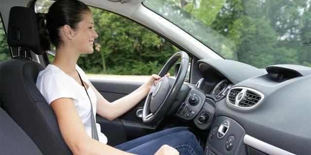passer son permis de conduire avec une auto-école en ligne
